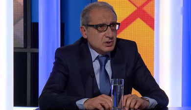Discussion publique: La Cour constitutionnelle: Hrayr Tovmasyan